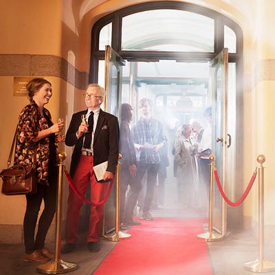 Mingel utanför Stora teatern. Foto: Markus Gårder