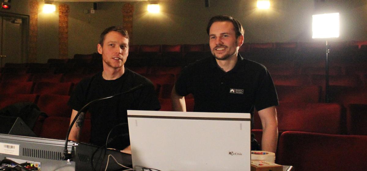 Visionärerna bakom - Teaterteknikerna Oskar Österholm och Nils-David Carlsson vill skapa en ny och annorlunda musikupplevelse.