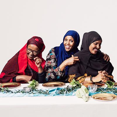 Fadume Jama, Kin Gurhan Mohamed och Ayaan Mohammud. Foto: Fotograf Satu AB