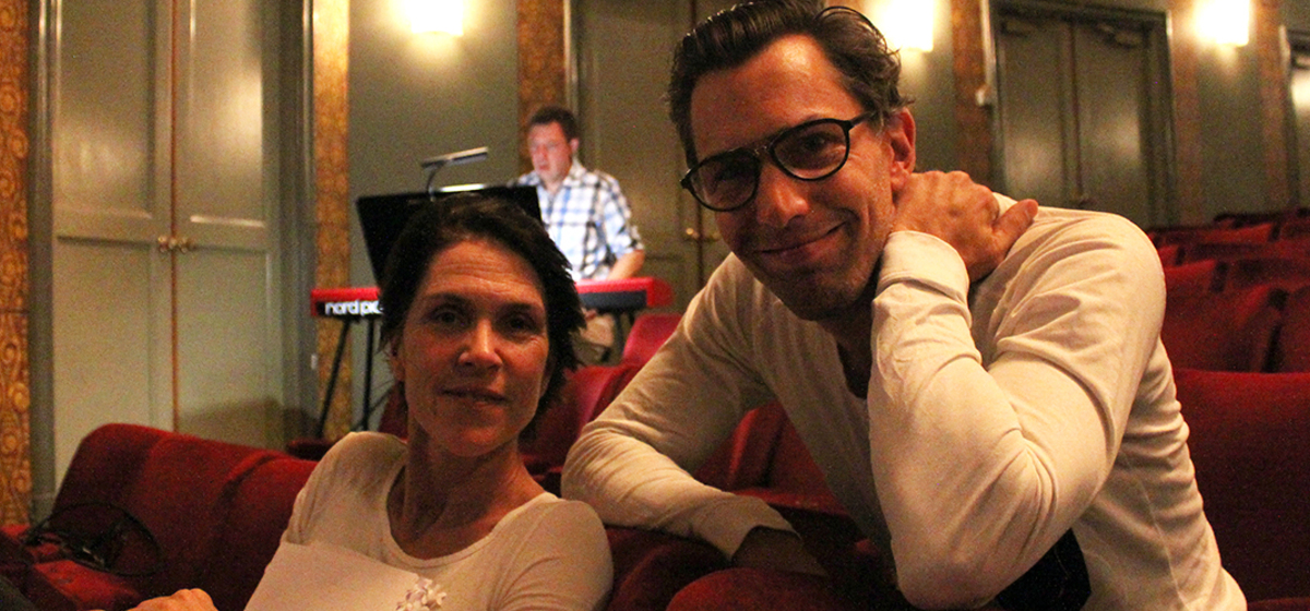 """""""Vi försöker skapa med lust och lek"""" - Petra Nielsen och Pontus Plænge trivs mycket bra i ensemblen."""